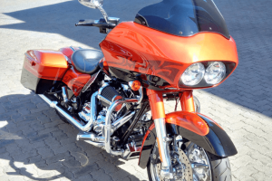 Road King to Road Glide Conversion3